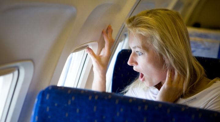 Как перенести полет на самолете: секреты приятного путешествия
